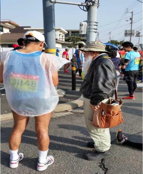 徳島マラソンランナーから署名もらう