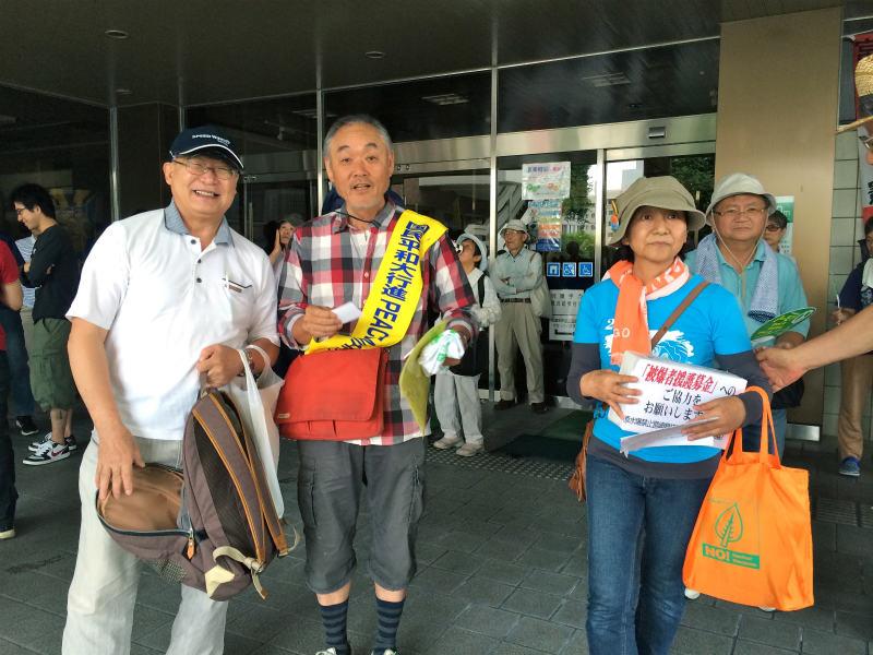 左から平和委員会 橋村さん、竹中さん、NPT宮崎県代表 石山扶美子さん